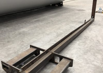 Utillaje diseñado y calculado para proceso de montaje de DUMPERS. C.M.U 700 kg