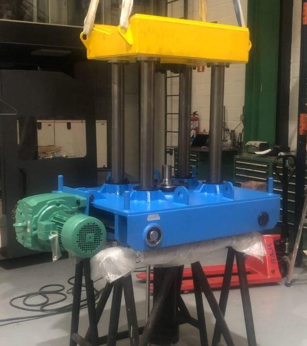 Carro portabobinas y elevador de bobinas